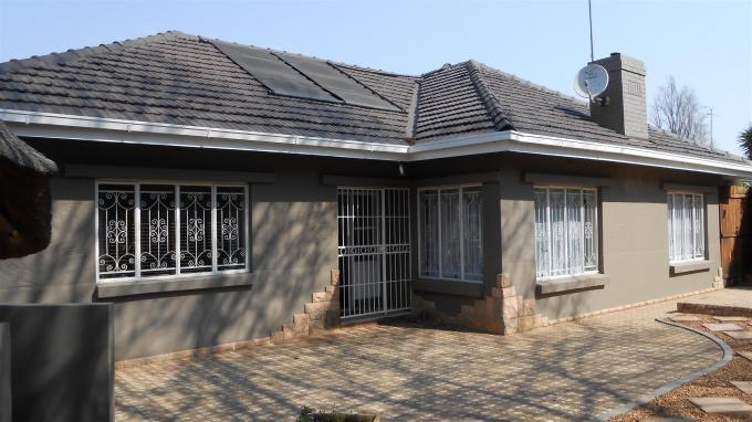 3 Bedroom House For Sale in Cyrildene - Private Sale - MR133070