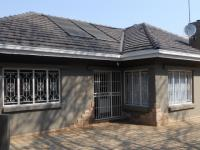 3 Bedroom 3 Bathroom in Cyrildene