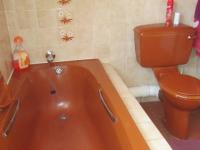 Main Bathroom - 5 square meters of property in Glenvista