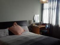 Main Bedroom - 22 square meters of property in Parktown