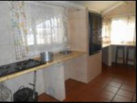 Kitchen - 27 square meters of property in Johannesburg Central