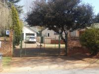 3 Bedroom 2 Bathroom in Constantia Kloof