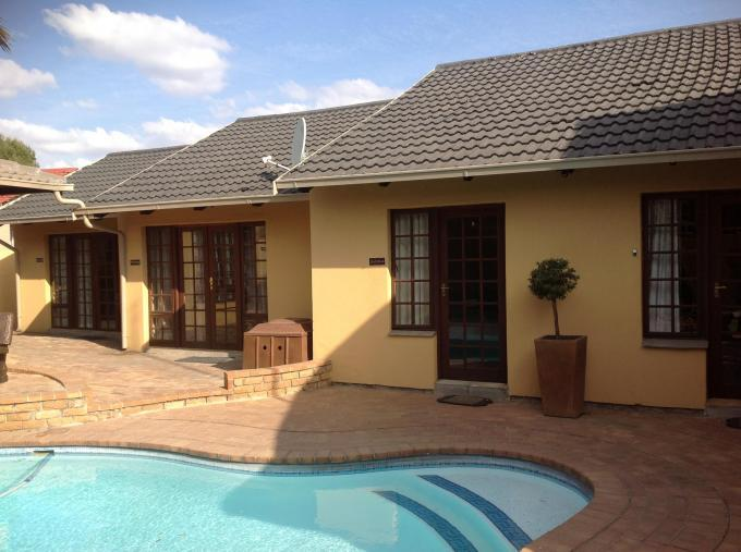 9 Bedroom Guest House For Sale in Secunda - Home Sell - MR133169