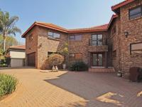 4 Bedroom 4 Bathroom in Centurion Golf Estate
