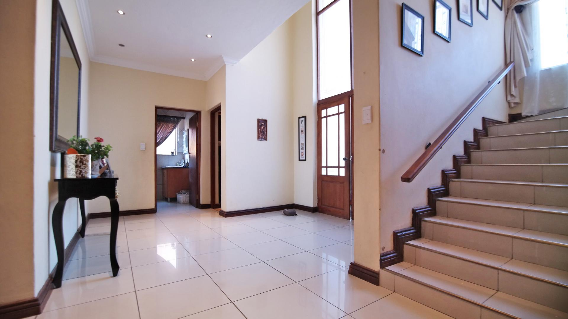 Spaces - 55 square meters of property in Willow Acres Estate