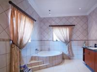 Main Bathroom - 15 square meters of property in Willow Acres Estate