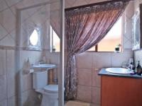 Bathroom 1 - 4 square meters of property in Willow Acres Estate