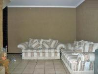 Lounges - 8 square meters of property in Kempton Park