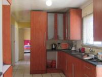 Kitchen - 16 square meters of property in Alveda