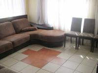 Lounges - 13 square meters of property in Alveda