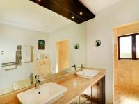 Main Bathroom - 10 square meters of property in Broadacres