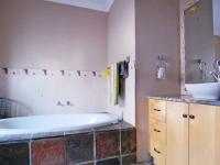 Bathroom 1 - 9 square meters of property in Willow Acres Estate