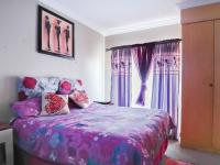 Bed Room 1 - 18 square meters of property in Willow Acres Estate
