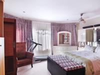 Main Bedroom - 43 square meters of property in Willow Acres Estate