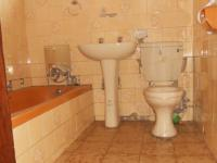 Bathroom 1 - 5 square meters of property in Mountain View