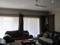 Lounges - 21 square meters of property in Albemarle