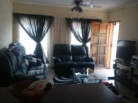 Lounges - 22 square meters of property in Secunda