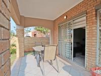 Patio - 13 square meters of property in Equestria