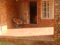 Patio - 9 square meters of property in Faerie Glen