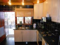 Kitchen - 10 square meters of property in Montford