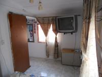 Bed Room 1 - 10 square meters of property in Montford