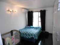 Main Bedroom - 21 square meters of property in Newlands West
