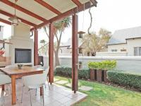 Patio - 11 square meters of property in Equestria