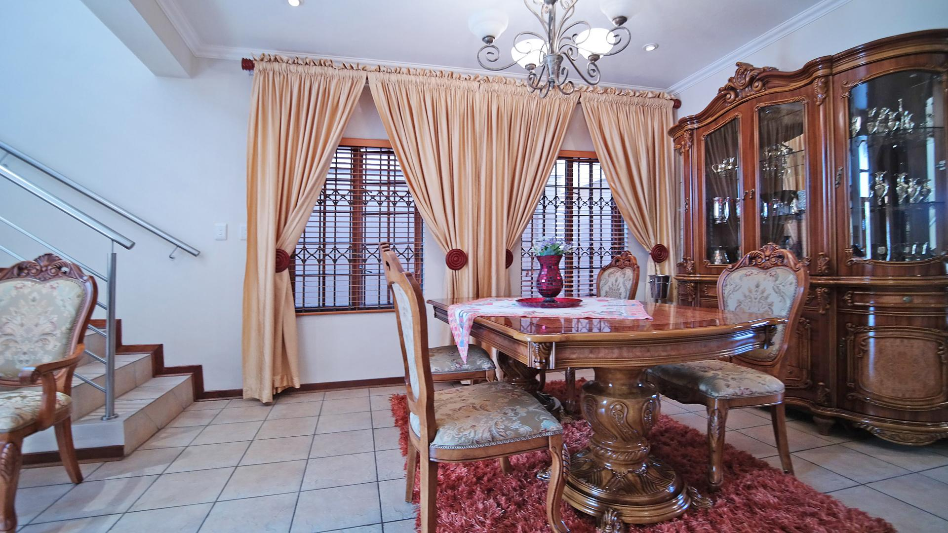 Dining Room - 19 square meters of property in Irene Farm Villages