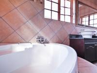 Main Bathroom - 11 square meters of property in Irene Farm Villages