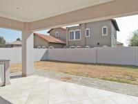 Patio - 18 square meters of property in Equestria