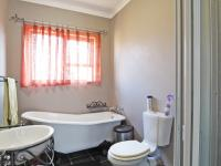 Main Bathroom - 7 square meters of property in Equestria