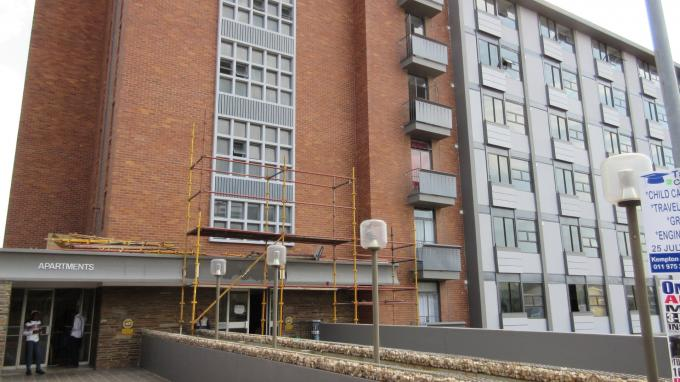 2 Bedroom Apartment for Sale For Sale in Ferndale - JHB - Private Sale - MR133972