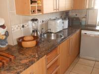 Kitchen - 19 square meters of property in Pretorius Park