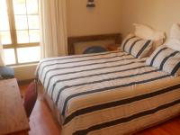 Bed Room 1 - 20 square meters of property in Pretorius Park