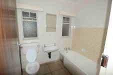 Main Bathroom - 10 square meters of property in Vaalpark