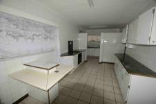 Kitchen - 37 square meters of property in Vaalpark