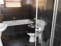 Main Bathroom - 7 square meters of property in Pomona