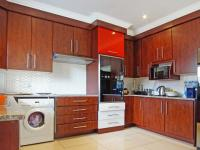 Kitchen - 15 square meters of property in Equestria