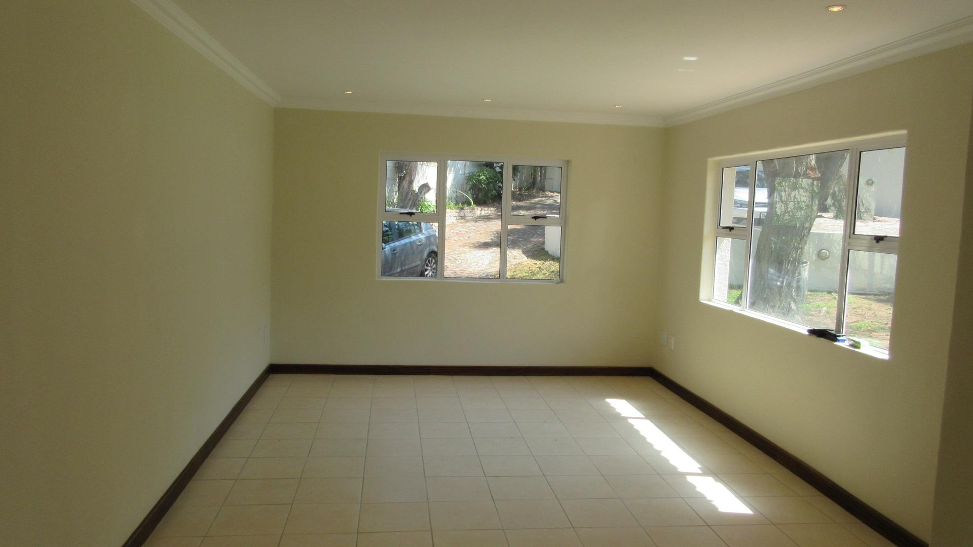Lounges - 34 square meters of property in Olivedale