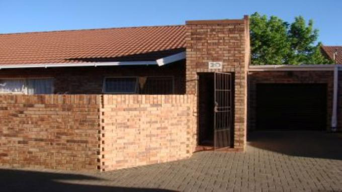Standard Bank EasySell 2 Bedroom Sectional Title for Sale For Sale in Bloemfontein - MR134183