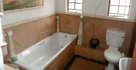 Main Bathroom - 4 square meters of property in West Acres