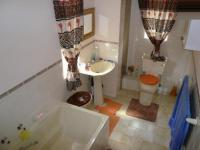 Main Bathroom - 12 square meters of property in Clarina