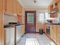 Kitchen - 13 square meters of property in Equestria