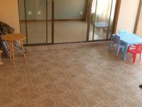 Patio - 16 square meters of property in Midrand