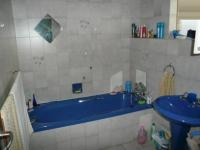Bathroom 1 - 6 square meters of property in Silverton