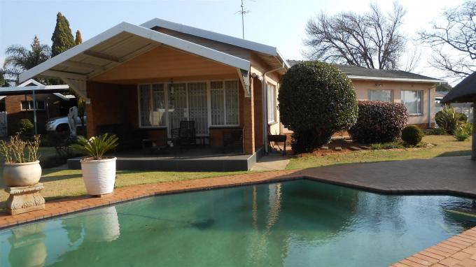 Standard Bank EasySell 3 Bedroom House For Sale in Bonaero Park - MR134283