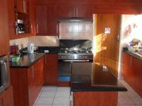 Kitchen - 28 square meters of property in Bonaero Park