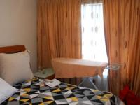 Bed Room 1 - 15 square meters of property in Bonaero Park