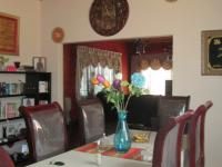 Dining Room - 22 square meters of property in Reuven