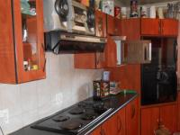 Kitchen - 38 square meters of property in Dalview